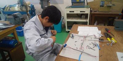第二種電気工事士 作業風景