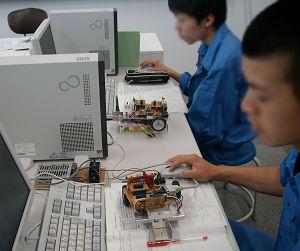 ロボット工学科